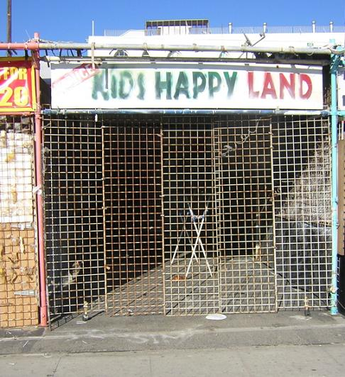 KIDS HAPPY LAND