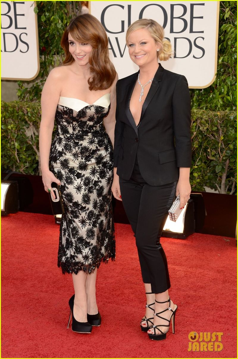 Tina-fey-amy-poehler-golden-globes-2013-red-carpet-02