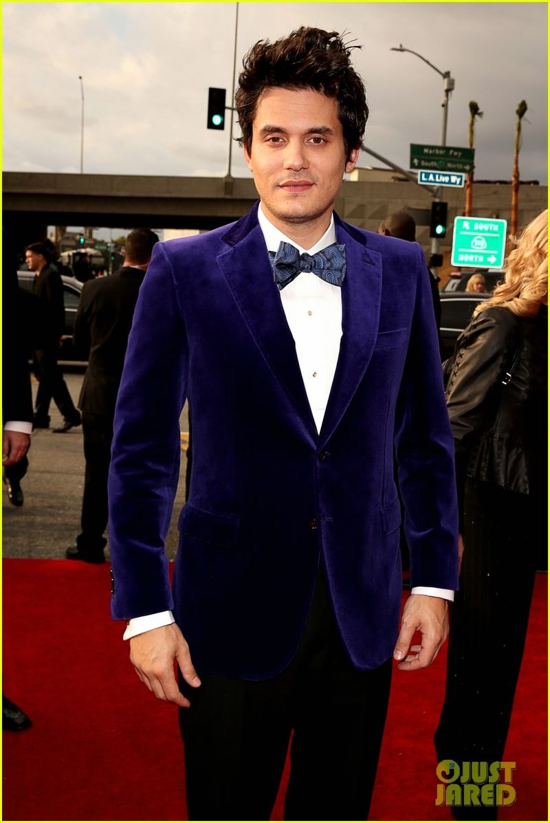 John-mayer-grammys-2013-red-carpet-06